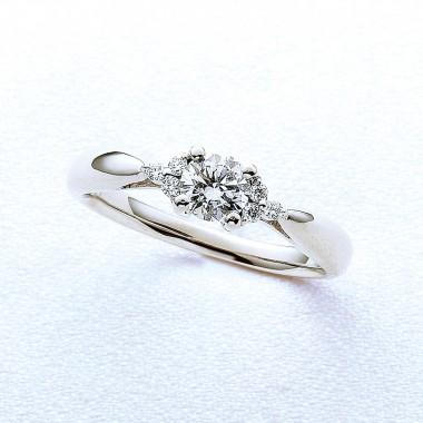 婚約指輪ファースト