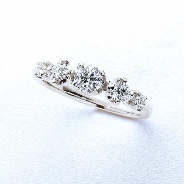 婚約指輪ライト